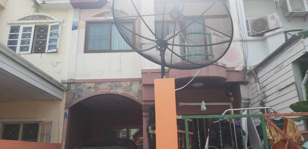 หมู่บ้านรัตนาธานี นนทบุรี